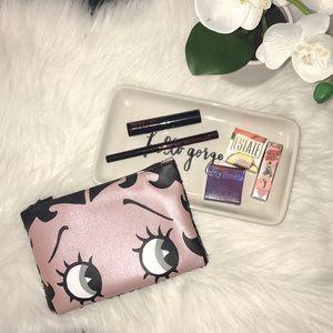 Betty Boop x Ipsy eye makeup bundle
